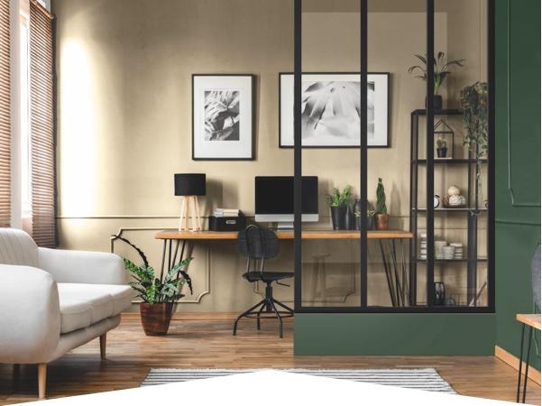 Créer un coin bureau avec une grande verrière
