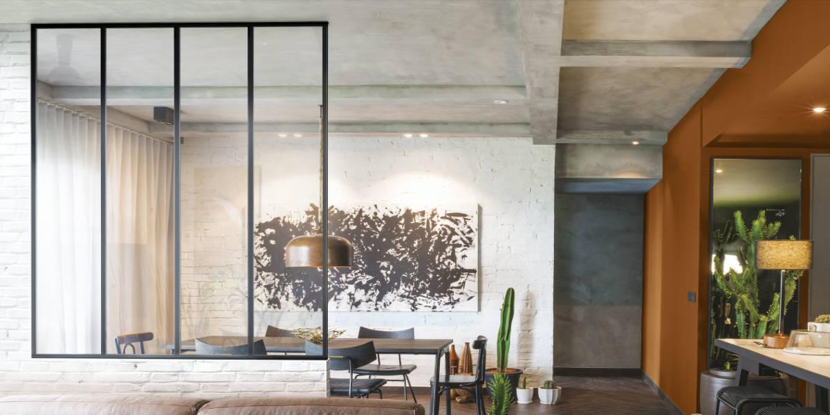 Verrière intérieure : lumière et ambiance atelier d'artiste